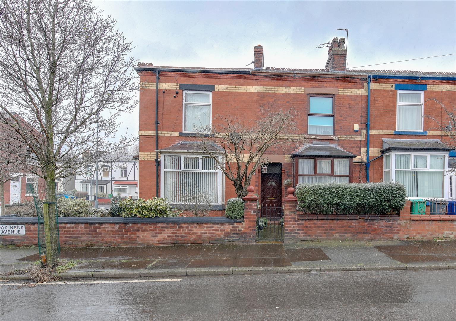 3 Bedrooms Terraced House for sale in Oakbank Avenue, Moston, Manchester